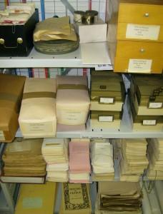 Une partie du fonds Braudel avant traitement archivistique (Archives de la FMSH, 2012)